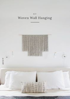 Minimalist Gray Yarn Hanging | Easy Yarn Wall Hangings Ideas To Gift Your Friends For Special Occasion Wall Hanging Crafts, Yarn Wall Hanging, Diy Wall Art, Wall Decor, Wall Hangings, Hanging Art, Diy Interior, Inexpensive Home Decor, Diy Home Decor