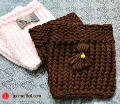 Loom Knit Boot Cuffs - FREE Pattern and Video Tutorial. Learn to U-wrap and e-Wrap knit stitch, purl stitch, basic bind off and how to tighten loose loops