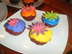 Spring cupcakes  by sweetbits-bakery.com
