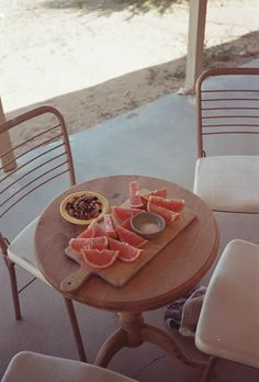 PINK GRAPEFRUIT ON THE VERANDA comm-nplace: joshua tree, california