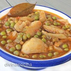 Receta de sepia estofada con guisantes – Güveç yemekleri – Las recetas más prácticas y fáciles Spanish Kitchen, Spanish Cuisine, Spanish Food, Chicken Salad Recipes, Meat Recipes, Seafood Recipes, Cooking Recipes, Peruvian Recipes, Mediterranean Recipes