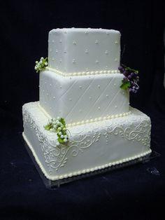 Wedding Cake by Angel Contreras, via Flickr