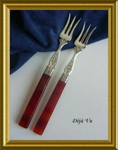 Antique little forks, € 125. www.dejavu.marktplaza.nl
