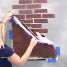 How to get the perfect faux brick wall!⁣ Do you like the finished product here? Painted Brick Walls, Faux Brick Walls, Faux Finishes For Walls, Brick Art, Wall Finishes, Diy Wand, Brick Design, Wall Design, Diy Home Crafts