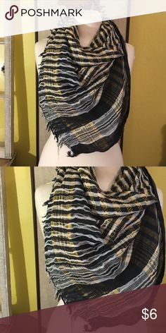 Vintage plaid fashion scarf Fun & fab vintage large square scarf! Perfect for completely your look! Vintage Accessories Scarves & Wraps