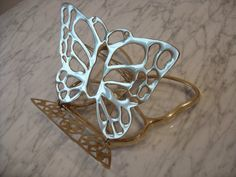 Vintage Brass Butterfly Book Holder Butterfly by Ipad Holder, Book Holders, Butterfly Books, Easel, Retro Style, 9 And 10, Solid Brass, Retro Fashion, Cool Stuff