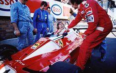 James Hunt has a sit in Niki Lauda's Ferrari 312 T2, GP Monaco 1976