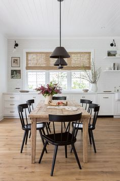 Modern Dining Room Cabinet Designs 20 Modern Farmhouse Dining Rooms that Will Transport You to Farmhouse Dining Room Table, Dining Room Chairs, Dining Rooms, Farmhouse Chairs, Rustic Table, Kitchen Chairs, Dining Tables, Black Dining Chairs, Farmhouse Front