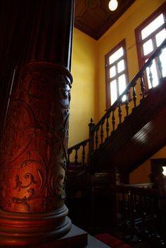 旧岩崎邸庭園 洋館一階ホール 飾り柱