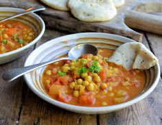 145 calories a bowl! On the Spice Trail: Moroccan Harissa and Chickpea Potage Recipe Diet) Diet Soup Recipes, Healthy Dinner Recipes, Cooking Recipes, Diet Meals, Healthy Meals, Healthy Food, Moroccan Chickpea Soup Recipes, Moroccan Recipes, Vegetarian Soup