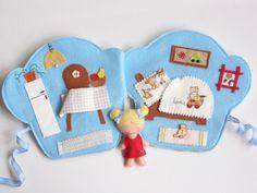 Áfonyás Fanni muffin házikója- játszókönyvecske, Baba-mama-gyerek, Játék, Készségfejlesztő játék, Plüssállat, rongyjáték, Meska