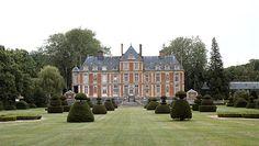 Le couturier Valentino et le chateau de Wideville