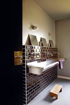 salle de bain de la tribu de Pollypapier xx&x