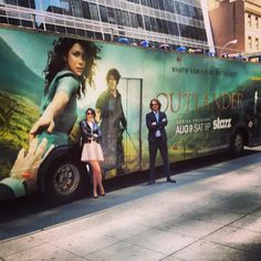 When in NY, take the BUS! from Sam Heughan twitter . . .great shot!