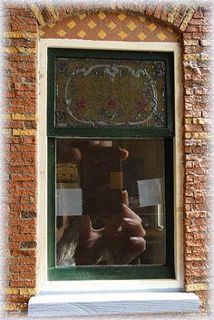 Workshop sash window with glass