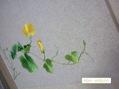 대구 야생화자수. 여해자 作풍요- 호박꽃- 린넨-면사-600mmx450mm 호박꽃도 꽃이가?아이들이 이렇게 놀려대... Embroidery Patterns, Hand Embroidery, Flower Embroidery, Crafts To Make, Arts And Crafts, Chinese Embroidery, Types Of Art, Flower Art, Wild Flowers