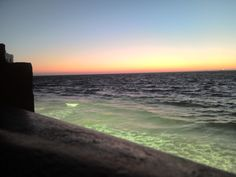 El mar anocheciendo  .........