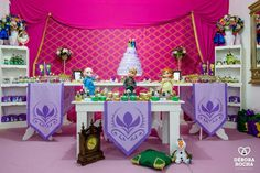 ❥ Frozen   Party Table