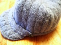 Free Sewing Pattern - Newsboy cap + mittens set