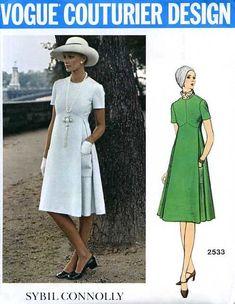 1971 Vogue Couturier Entwurfsmusters w kennzeichnen SYBIL 70s Fashion, Fashion History, Fashion Dresses, Vintage Fashion, Vintage Vogue Patterns, Vintage Sewing, 1970 Style, Vintage Dresses, Vintage Outfits