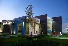 Las casas de un piso por lo general resultan más acogedoras… #fachadasmodernasunpiso