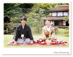 三渓園名物芝生の上で正座でご挨拶 Wedding Kimono, Wedding Dresses, Asian Image, Rainy Season, Wedding Photos, Wedding Stuff, Wedding Ideas, Kyoto, Wedding Photography