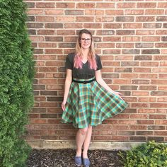 Happy St. Patrick's Day, Damsels! I hope you accidentally wore red/pink so someone had to kiss you. 😉 (Or was it just the kids at my elementary school who did that?😂) #DamselDesigned #DamselDuds #stpatricksday #stpattysday #ootd #vintagestyle #pinkhair #stpattysdayoutfit #shopsmall #supporthandmade #supportsmallbusiness #plaid #plaidskirts #circleskirt