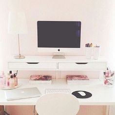 Clean work space - clean, organized desk with drawers attached to the wall - good as a home office or in kids' room Home Office Space, Desk Space, Home Office Design, Home Office Decor, Home Decor, Office Ideas, Workspace Design, Small Office, White Desk Office
