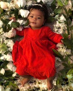 Flower Names For Girls - Un bebe: un chef d'oeuvre de la nature humaine - Baby So Cute Baby, Cute Mixed Babies, Cute Black Babies, Black Baby Girls, Beautiful Black Babies, Baby Kind, Pretty Baby, Beautiful Children, Little Babies