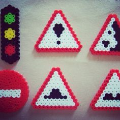 Perler road signs