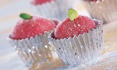 Bicho de pé Nem de coco nem de chocolate: o bicho de pé é um delicioso brigadeiro rosa, feito com gelatina.