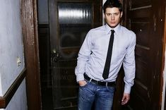 SUPERNATURAL PICTURES-Jensen Ackles