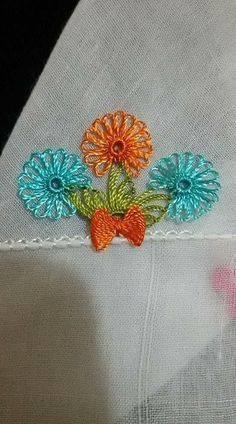 Newest Needle Work Writing Edge Needlework Models - pinto pin Filet Crochet, Crochet Motif, Crochet Yarn, Irish Crochet, Crochet Unique, Diy And Crafts, Arts And Crafts, Yarn Thread, Needle Lace