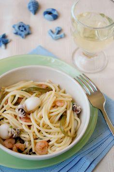 Spaghetti con fagiolini, seppioline e gamberetti della laguna