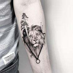 A imagem pode conter: uma ou mais pessoas Submissive, Blackwork, Ink, Tattoos, People, Lifestyle, Art, Food Recipes, Tatuajes