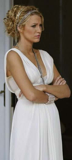 "Serena van der Woodsen wearing Oscar de la Renta at the white party in the episode ""Summer, Kind of Wonderful""......."