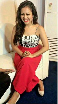 Mind blowing & Beautiful smile Neha kakkar Embroidery On Kurtis, Kurti Embroidery Design, Bollywood Actress Hot Photos, Bollywood Actors, Neha Kakkar Dresses, Cute Princess, Indian Bollywood, Celebs, Celebrities