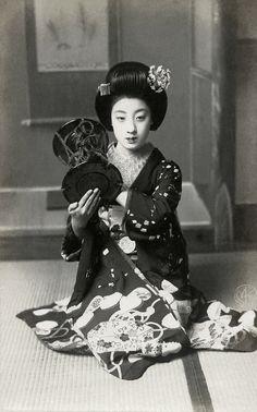 "Tomigiku, 1910s, Japan. ""…During the years Taisho 10 and Taisho 11 (1921 and 1922), Tomigiku was one of the great beauties of Kyoto. ..."