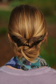 <3 this look.  I am needing some alternatives to my uptwist with a clip and the ever-faithful bun.