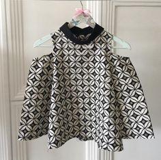 Jade Sutandi Batik Blazer, Blouse Batik, Batik Dress, Batik Kebaya, Kebaya Dress, African Print Fashion, Fashion Prints, Fashion Design, African Tops