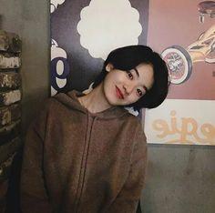 Korean Short Hair, Korean Girl, Tomboy Hairstyles, Cool Hairstyles, Girl Short Hair, Short Hair Cuts, Lee Joo Young Hair, Short Grunge Hair, Shot Hair Styles