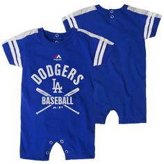 Portriat Time Start The Little Ones Out Early in Joining The Fan Club as Well as Show Support for Your Favorite College Official NCAA Fan Shop Authentic Baby 2-Pack Alternating School Color Bib Set