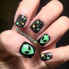 I love the alien head but not the other nails so much. I would get all black with aliens on the accent nails