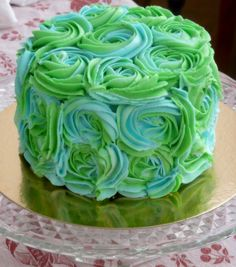Rose Swirl Cake by Sugar Daze, via Flickr