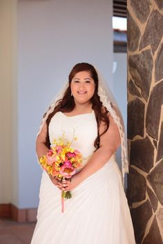 Coral and Yellow Tropical Bouquet | Ana Gomes Photography on @prettypearbride via @aislesociety