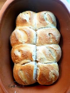 Softies-Brötchen aus dem Römertopf You are in the right place about World Cuisine recipes Here we offer you the most beautiful pictures about the World Cuisine infographic you are looking for. Pampered Chef, Dutch Recipes, Bread Recipes, Multigrain Bread Recipe, Best Homemade Burgers, Healthy Burger Recipes, Bread Starter, Easy Rolls, Homemade Rolls
