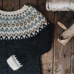 blattmuster rammet fair ø, & Colourful / DROPS - Kostenlose Strickanle Knitting Designs, Knitting Projects, Crochet Projects, Knitting Patterns, Crochet Patterns, Fair Isle Knitting, Knitting Yarn, Hand Knitting, Icelandic Sweaters