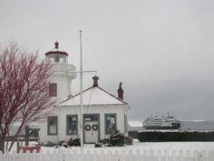 snow at the mukilteo lighthouse