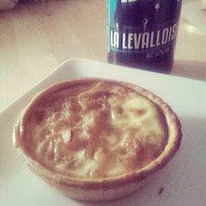 Tarte à l'oignon à la bière - Une souris en cuisine #tarte #oignon #biere #tartealoignon #recette #cuisine #vegetarien