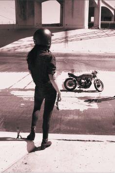 caferacerwomen:Cafe Racer Design // @caferacerdesignCafe Racer Women // @caferacerwomen